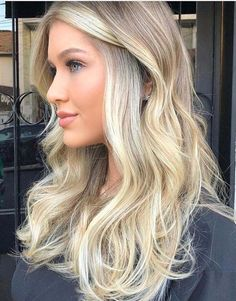 43 trending blonde highlights for long hair in 2018 haare und frisuren окра Blonde Hair With Highlights, Brown Blonde Hair, Hair Color Balayage, Blonde Balayage, Blonde Color, Black Hair, Blonde Ombre, Trending Hairstyles, Fall Hair