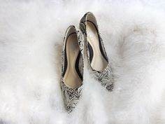 Celest Thoi Bespoke pointy toes heels with lace.  Gold and black heels. Wedding shoes. Baroque style. Vintage lace. Gold lace. Bespoke shoes. Wedding inspiration. Gold lace heels. Wedding heels. Bridal shoes. Pointy shoes.