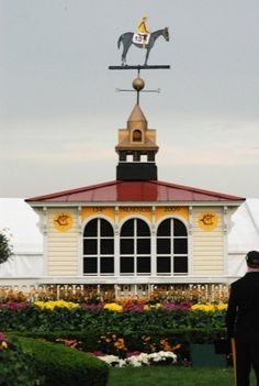 Preakness - Pimlico Race Course coupola on the clubhouse. The rider of the horse gets painted the colors of the silks of the winning jockey each year. Preakness Stakes, Preakness Winner, Baltimore Maryland, Baltimore Skyline, Pennsylvania History, Race In America, Horse Racing, Race Horses, Thoroughbred Horse