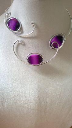 ALUMINIUM WIRE NECKLACE  Purple necklace  par LesBijouxLibellule Purple Necklace, Purple Jewelry, Wire Necklace, Wire Wrapped Necklace, Metal Necklaces, Unique Necklaces, Collar Necklace, Necklace Lengths, Unique Jewelry