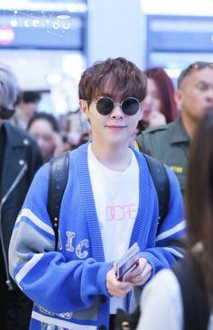 180429 You Zhangjing at LAX airport  ©VoiceYou1994_尤长靖  #IdolProducer #偶像练习生 #NinePercent #百分之九 #YouZhangjing #尤长靖