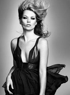 Kate Moss est enfin de retour chez TopShop ! - http://s.shr.lc/1ay4iUS