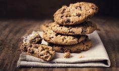Dicas para biscoitos e bolachas perfeitas. Quer bolachas e biscoitos sempre perfeitos e deliciosos? Saiba que há uma série de truques que pode fazer, como deixar a massa descansar e arrefecer ou até... não usar ovos.