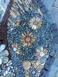 Pebble floor by Graham Fry http://www.windingpath.com/