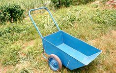 Garden Cart, Utility Cart, Homemade Tools, Craft Business, Wheelbarrow, Agriculture, Garden Tools, House Plans, Workshop