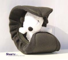 Les ballerines de secours enroulables Shoette peuvent aussi servir de luge pour bébé Snoopy !    Découvrez tous nos modèles de ballerines de secours pliables et enroulables sur ww.shoette.com