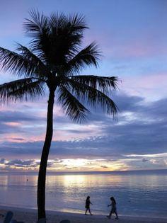 【小山田 沙保里様より 「グアム」】グアムのサンセットビーチ   http://www.his-j.com/tyo/cpn/pinterest/?cid=16197
