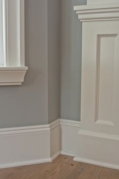 Baseboards and color The Three Best Off Whites By Benjamin Moore - Vancouver Painting Contractors: Warline Trim BM-White Dove Walls-BM Coventry Gray Benjamin Moore Cloud White, Benjamin Moore Paint, Benjamin Moore Shoreline, Benjamin Moore Coventry Gray, Stonington Gray, Interior Paint Colors, Paint Colors For Home, Interior Painting, Paint Colours