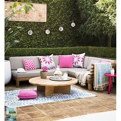 Spring is definitely here, with the warmer weather we'll be spending more time in our outdoor rooms! A gorgeous space of comfort and colour!
