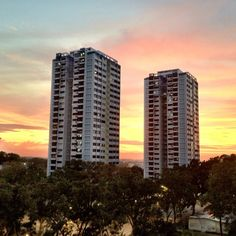 The sunset today is astonishing! Did not make it to the coast to take a nicer shot. #sunset #sky #clouds #cloud #nofilter #iphone4s #singapore #sg #nature #guosheng #guoshengz