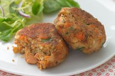 Add a zesty zing to salmon cakes with this great recipe. These salmon cakes are golden brown and crispy on the outside, moist on the inside. Try these salmon cakes tonight!
