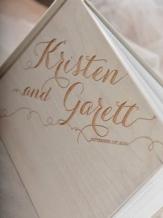 Cover: timber board Size: 21 cm x 28 cm (8,4 x 11,2) Personalization of cover: FREE! Engraved names bride and groom:FREE! Number of pages: 86