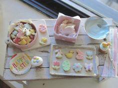 Dollhouse miniature Spring cookies by Kimsminibakery on Etsy