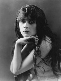Theda Bara circa 1915