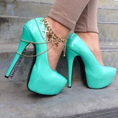 I love the little anklet also, gorgeous shoes though!