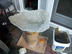 Leaf cement bird bath.... Beautiful :)