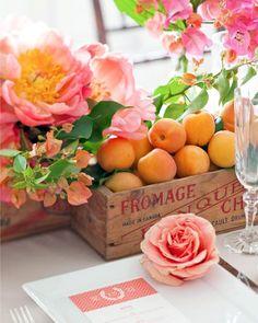 Inspiração para um casamento em rosa e laranja. #casamento #rosaelaranja #inspiracao #decoracao #mesas