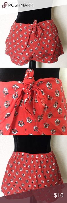 Abercrombie & Fitch flowery red shorts Worn twice in great condition. 100% cotton. Very comfy! Abercrombie & Fitch Shorts