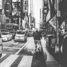 Walking through NYC #nyc #walk #city #photography #streetphotography #iphone7plus #sf #takepictures #alexvakulin #photography #digitalimages #canonphoto #camerapro #sigmausa  #vsco #leica #perfectphoto #photooftheday #apple #procamapp #tbt #life #instagram