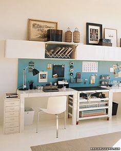Now this is how i would love for our home office or my side of the office to look..Love it!