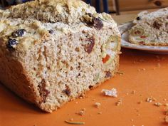 Beer Bread with Sundried Tomatoes and Green Onions--you won't believe how easy to make! Whole foods, vegan, dairy-free, egg-free.
