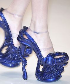 Alexander McQueen S/S 2010 Alien Shoes |Pinned from PinTo for iPad|