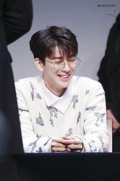 Yunhyeong in glasses is the cutest 😍😭 Yg Entertainment, Ikon Songs, Name Songs, Ikon Member, Koo Jun Hoe, Kim Jinhwan, Jay Song, Ikon Kpop, Ikon Wallpaper