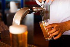 Fábrica de cerveja artesanal oferece sábado com geladas e música