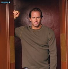 GILMORE GIRLS (Season 3) Image #GG02-0917 Pictured: Scott Patterson as Luke Danes Photo Credit: