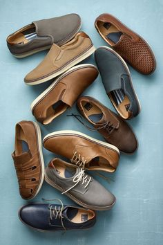 J&M's McGuffey Collection: No longer just for play, sneakers give a blazer and denim a smart laid-back look. Older Mens Fashion, Mens Boots Fashion, Formal Men Outfit, Formal Shoes, Casual Loafers, Loafers Men, Mens Puma Shoes, Men's Shoes, Dress Shoes