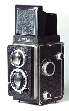 Oh my Prampa had one of these!  How many hours did we stand posing while he got the perfect shot! :)