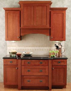 25 Ways To Remodel Your Craftsman Style Kitchen Craftsman Kitchen Craftsman Home Decor, Craftsman Style Interiors, Craftsman Style Kitchens, Craftsman Rugs, Kitchen Hoods, New Kitchen Cabinets, Kitchen Redo, Kitchen Remodel, Wall Cabinets