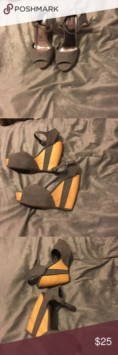 Bakers wedge sandals Bakers wedge sandals. Size 8. Right shoe has a hardly noticeable brown trace. Cute sandal with jeans or a dress. Bakers Shoes Sandals