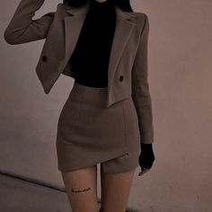 Komplette Outfits, Teen Fashion Outfits, Cute Casual Outfits, Pretty Outfits, Stylish Outfits, Aesthetic Fashion, Look Fashion, Skirt Fashion, Aesthetic Clothes