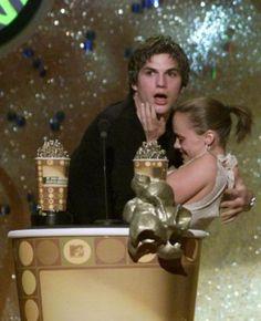 mtv 2001 movie awards - Ashton Kutcher and Christina Ricci