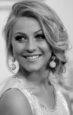 julianne hough, loose wedding updo, off to the side hairstyle, bridesmaid hair, prom hair