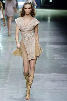 Alexander McQueen Spring 2006 Ready-to-Wear Fashion Show