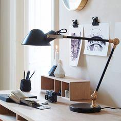 Lampe de bureau articulée en métal noir Hübsch
