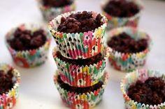 YUM...MINUS THE RAISINS and NO KREMALTA!!!!! chocolate rice krispie cakes | london bakes