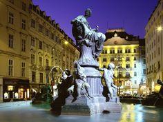 Vienna, Austra Google Image Result for http://2.bp.blogspot.com/-RrZ13gyGxBA/TvdhUxUQEKI/AAAAAAAAMKI/nwn7OTL7x6k/s1600/Donnerbrunnen_Fountain_Vienna_Austria.jpg