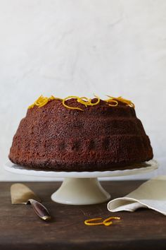 Millennials Liz Alpern and Jeffrey Yoskowitz are on a mission to reinvigorate traditional Jewish cuisine. Try their recipe for the perfect early fall treat: Orange-Spiced Rye Honey Cake from our September Top Pick in Cookbooks, THE GEFILTE MANIFESTO.