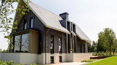 Kantoor Princen heeft voor de opdrachtgever deze prachtige eigentijdse villa in Ooijen mogen ontwerpen. Het complete traject is van A tot Z door hetkantooruitgewerkt en begeleidt, van ontwerp tot oplevering.