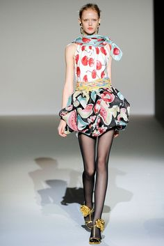 Spring 2010 Ready-to-Wear - Moschino