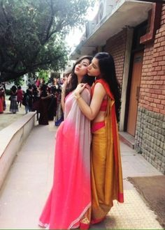 Check out this post - COLLEGE FAREWELL SAREE - MY STYLE created by Yuktibakshiii and top similar posts, trendy products and pictures by celebrities and other users on Roposo. Girl Photo Poses, Girl Photography Poses, Sarees For Girls, Farewell Sarees, Saree Poses, Satin Saree, Saree Photoshoot, Sari Dress, Stylish Girls Photos