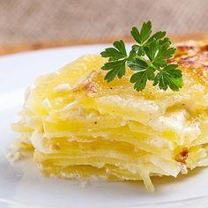Gratinované brambory Cornbread, Food And Drink, Pudding, Menu, Bohemian, Ethnic Recipes, Desserts, Millet Bread, Menu Board Design