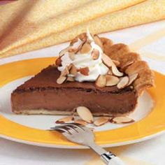 Almond-Fudge Custard Pie Recipe -Rich chocolate and a hint of almond team up in this creamy pie from field editor Marie Hattrup, Sparks, Nevada Chocolate Pie Recipes, Chocolate Pies, Fudge Recipes, Delicious Recipes, Pie Dessert, Dessert Recipes, Dessert Healthy, Chocolates, Fudge Pie