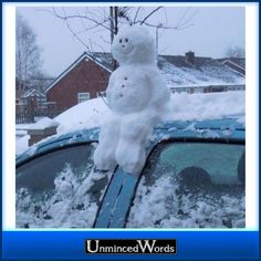 snowman on a car- mini sneeuwpop op auto I Love Snow, I Love Winter, Snow Much Fun, Winter Fun, Winter Snow, Winter Time, Winter Christmas, Funny Snowman, Snow Sculptures