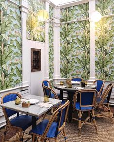 If you didn't gram it, were you really there? We all love photogenic spots so here are the 16 Most Instagrammable Restaurants in NYC! New York Winter Outfit, Instagram New York, Ny Food, New York City Travel, Space Place, Nyc Restaurants, Food Places, Alonso, Outdoor Furniture Sets