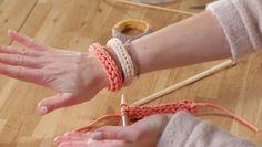 Flach gestrickter Schlauch-Armreif - Stricken lernen - Makerist Kurs
