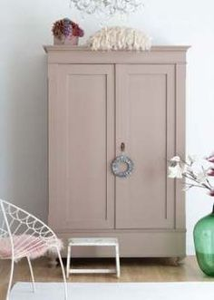 Antique wardrobe, color: dead salmon by farrow & ball Antique wardrobe . - Antique wardrobe, color: dead salmon by farrow & ball Antique wardrobe, color: dead salmon by farro - Farrow Ball, Farrow And Ball Paint, Farrow And Ball Bedroom, Painted Bedroom Furniture, Baby Furniture, Shabby Chic Furniture, Vintage Furniture, Furniture Nyc, Armoire Antique